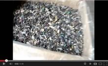 基盤粉砕品の垂直型スクリューコンベアによる搬送テスト[動画]