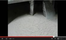 油粘土の撹拌混合 うず20型による混合事例[動画]