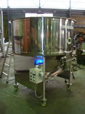 樹脂混合用 排出口エアーシリンダー仕様 うず16型